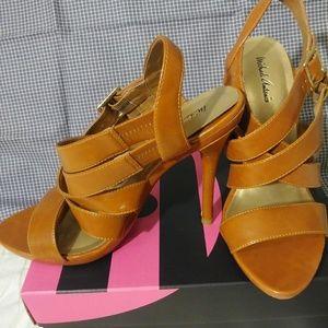 Michael Antonio sandals size 8.5m